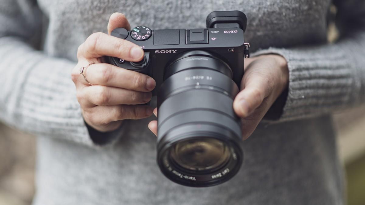 Năm 2019 có thể coi là năm đại thành công với Sony khi hãng này đã vươn lên vượt mặt hai đàn anh là Canon và Nikon trên thị trường máy ảnh kỹ thuật số nói chung.