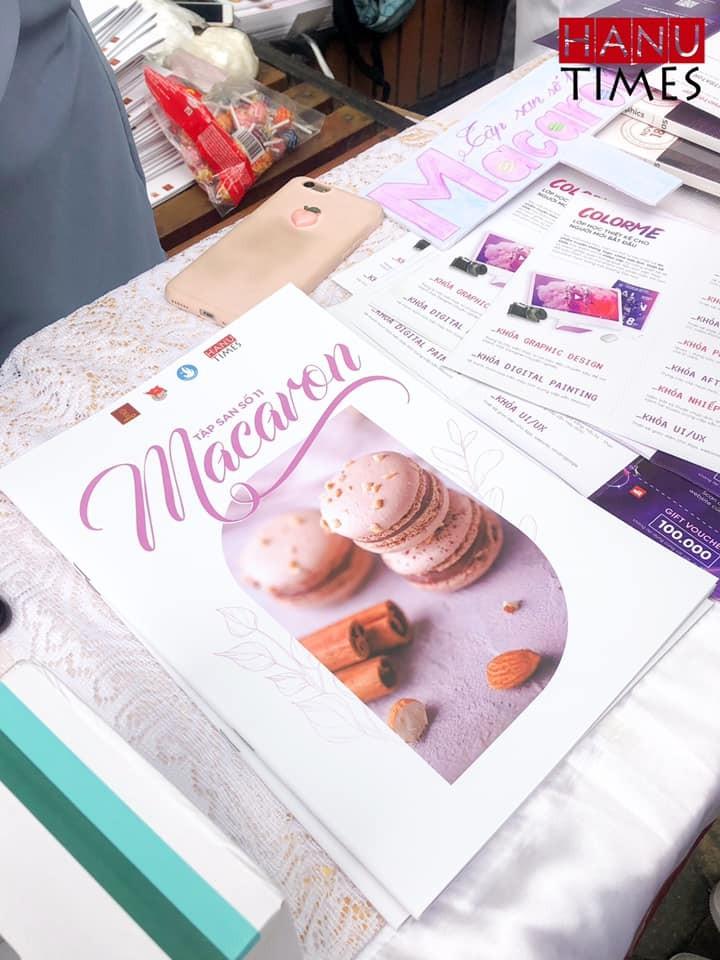 """Đầu tháng 4, tập san số 11 mang mang tên """"Macaron"""" đã được phát hành bởi HanuTimes.Net và nhận được sự hưởng ứng vô cùng lớn từ các bạn sinh viên Đại học Hà Nội. Hãy cùng colorME """"ngó"""" qua xem sự kiện phát hành cuốn tập san này có gì mà thu hút đến vậy nhé."""